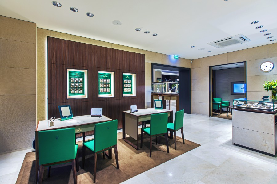 Bucherer opens the rolex boutique in lugano excellence for Negozi arredamento lugano