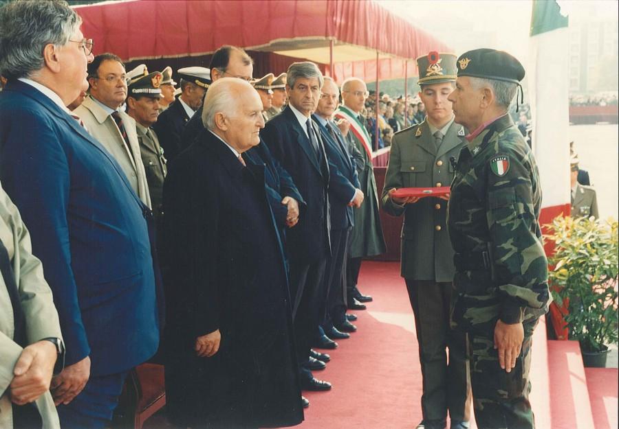 l-uomo-di-governo-milano-cerimonia-con-scalfaro-1999-3