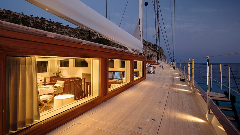 Aquarius The-Sailing-Yacht-That-Will-Discover-The-World