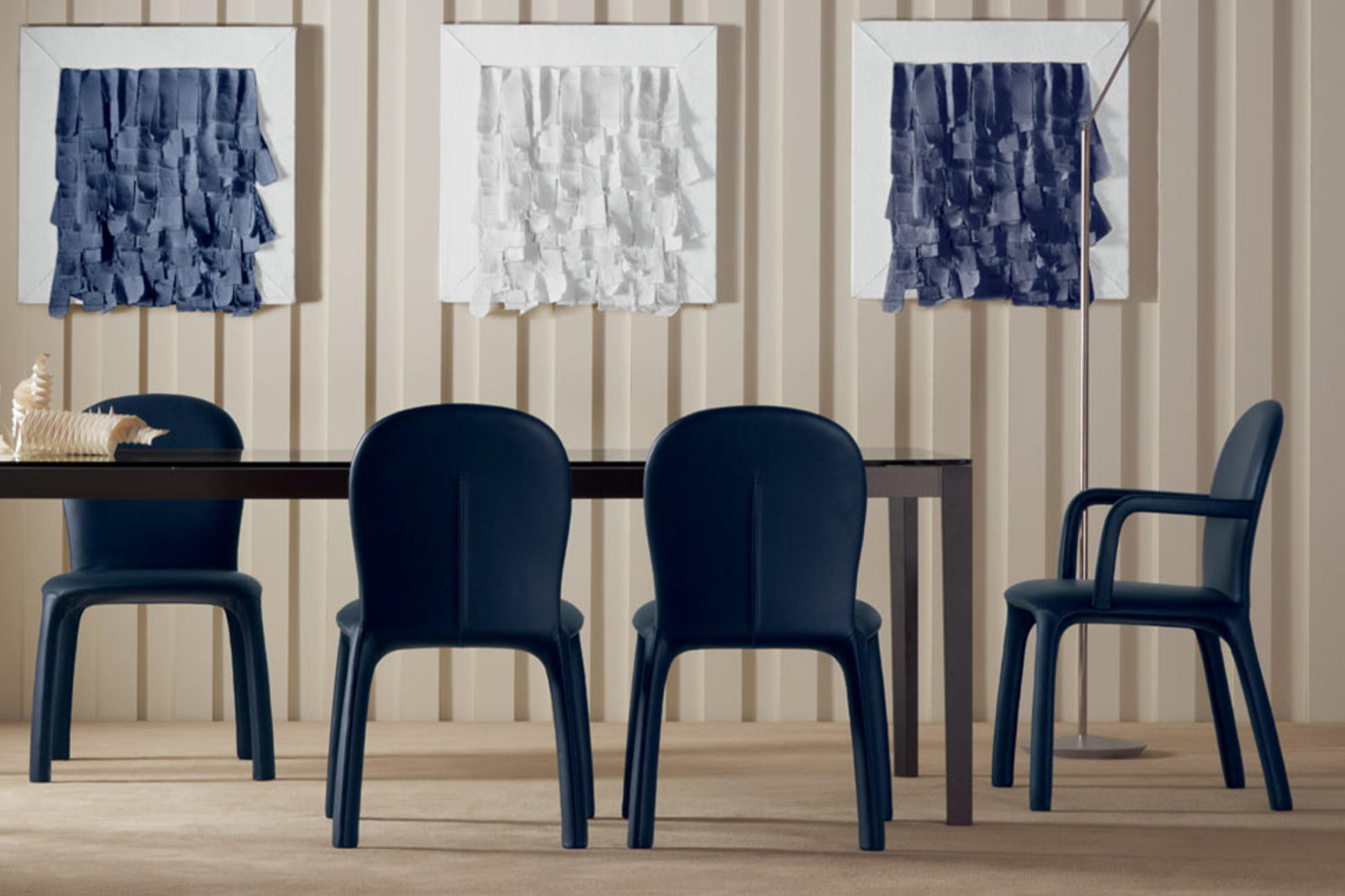 Excellence-Magazine_Luxury_Top-10-Modern-Dining-Chairs-to-Place-around-Any-Dining-Table-by-Poltrona-Frau