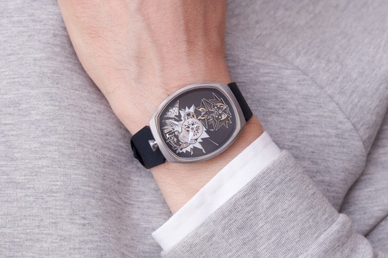 mechanical_entropy_silver_wristshot-2_fiona_kruger_chaos_watch