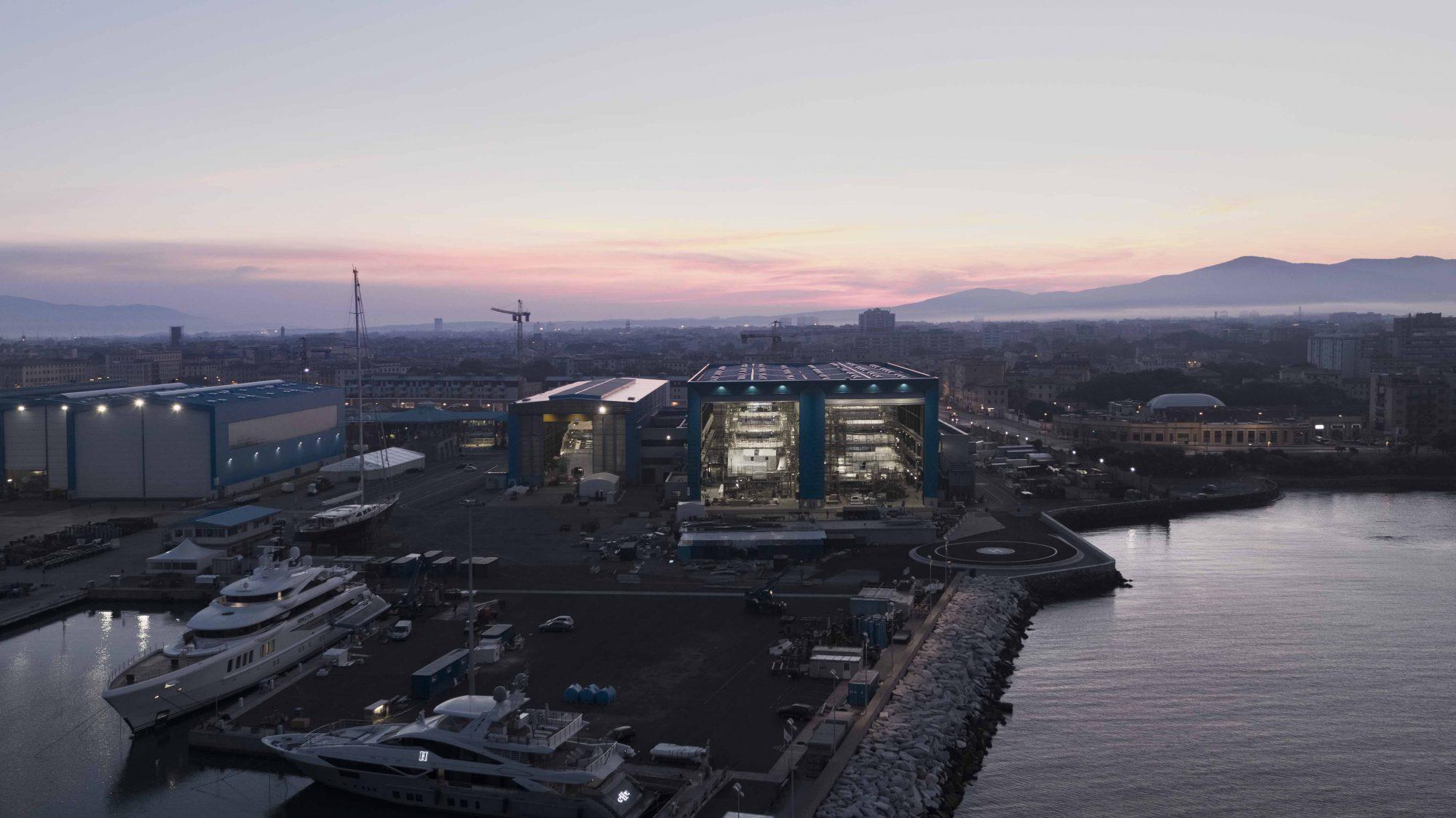 Benetti Livorno due giga yacht in costruzione