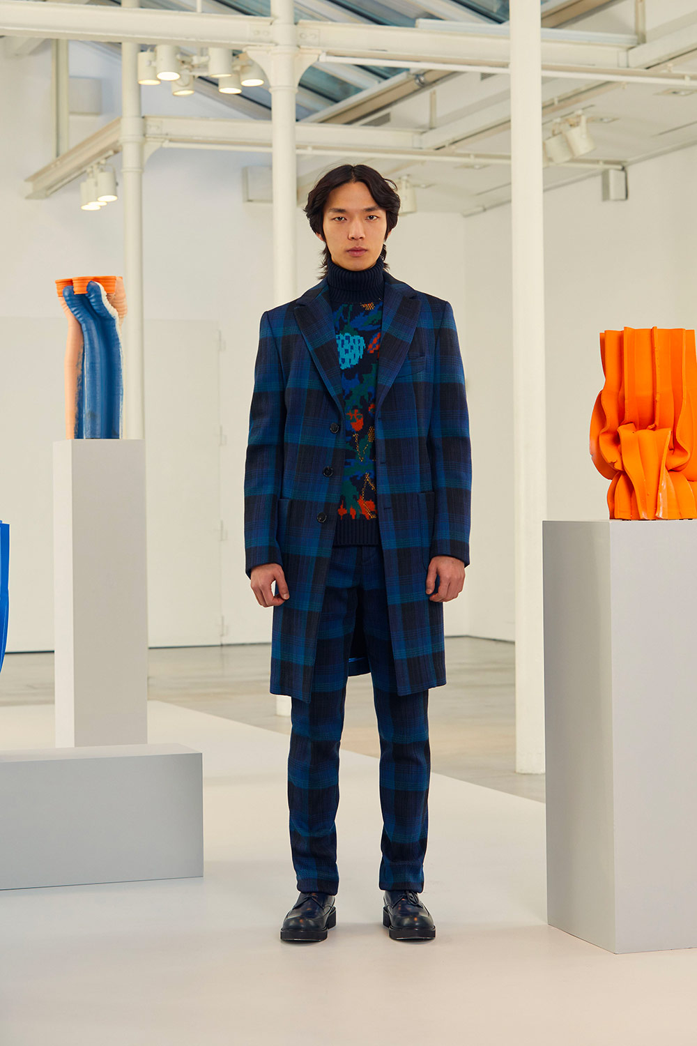 sports shoes 719fa 53f2b Milan Fall 2019 Menswear: The contemporary artist Anton ...