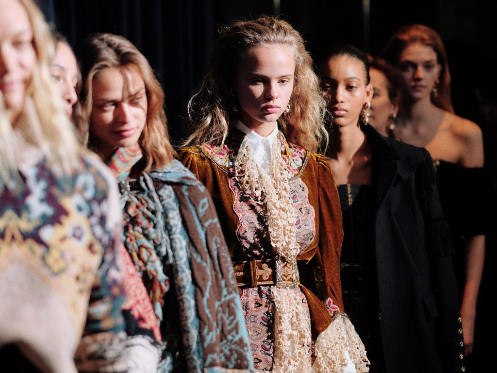 814cb352557 MFW FW 19/20: ETRO'a mix&match of Heritage, 'aristo-indie' influences and  grunge