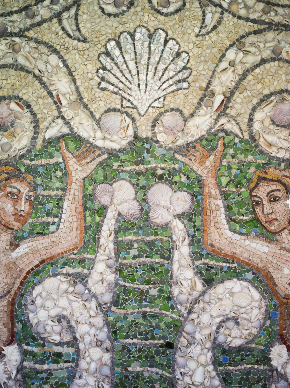 mosaico in terrazzo con piscina Le Sirenuse
