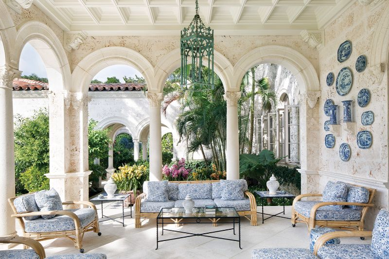 La Follia Luxury home Palm Beach patio garden design