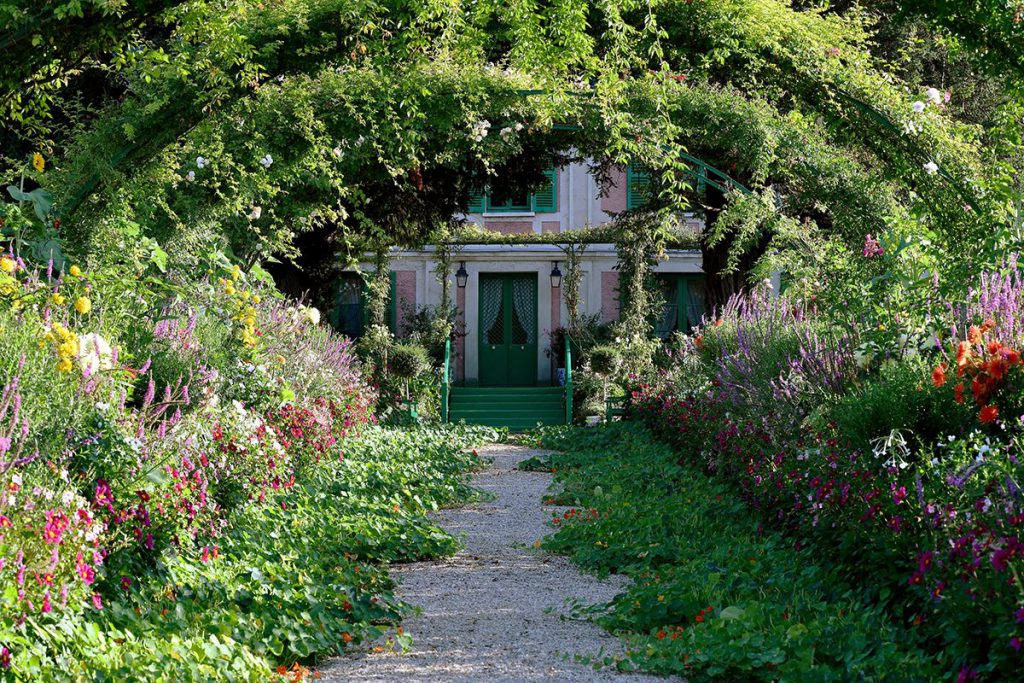 monet la maison bleue giverny jardin