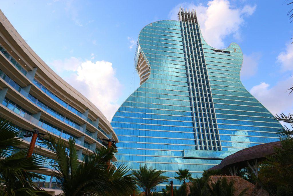 Ralph Notaro Guitar Hotel