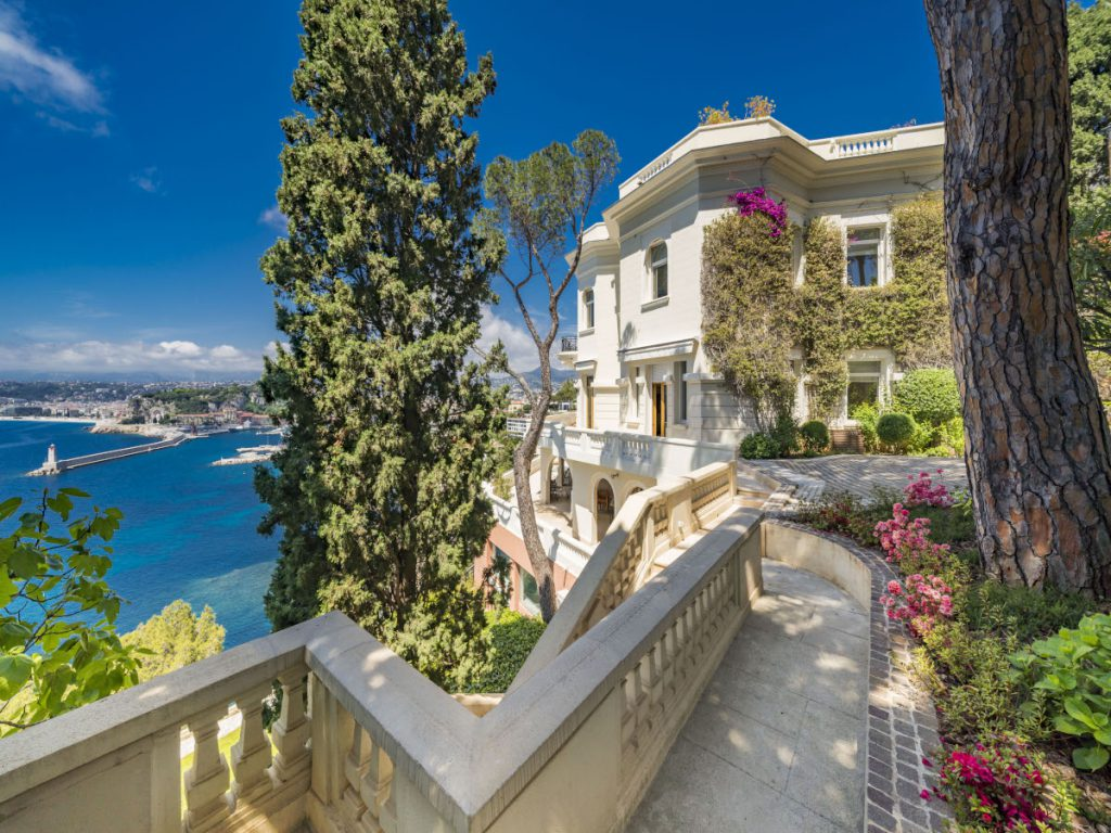 Sean Connery's South of France Villa, also Seen In His James Bond Movie